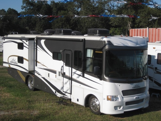 2009 Gulf Stream For Rent or For Sale 35' Independence Bunk House, Slide outs