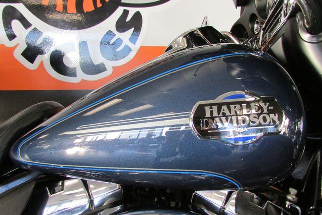 2009 Harley-Davidson Electra Glide® Ultra Classic® Arlington, Texas 24