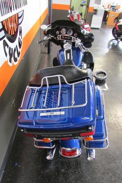 2009 Harley-Davidson Electra Glide® Ultra Classic® Arlington, Texas 10