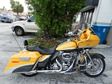 2009 Harley-Davidson Road Glide CVO FLTRSE  A BEAUTY! SCREAMIN' EAGLE ENGINE  in Hollywood, Florida