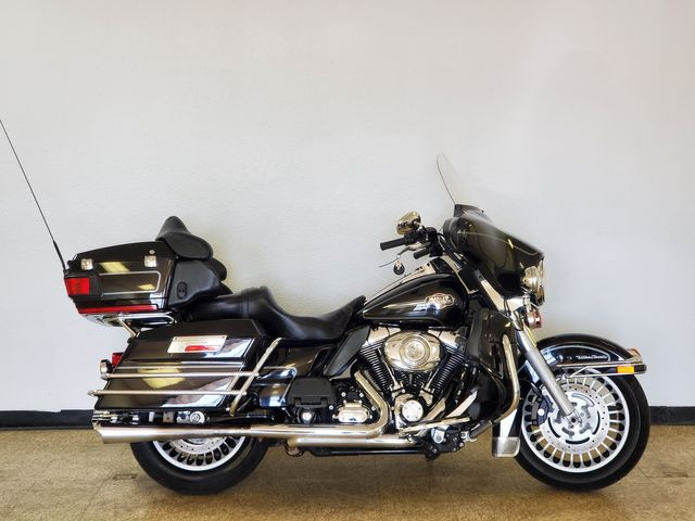 2009 Harley-Davidson Ultra Classic Electra Glide FLHTCU in Fort Worth , Texas 76111
