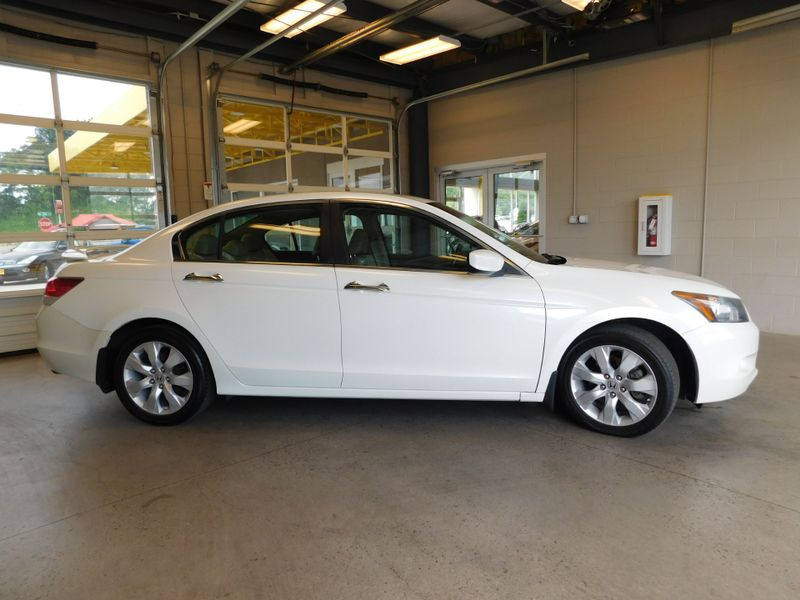 2009 Honda Accord EX-L  city TN  Doug Justus Auto Center Inc  in Airport Motor Mile ( Metro Knoxville ), TN