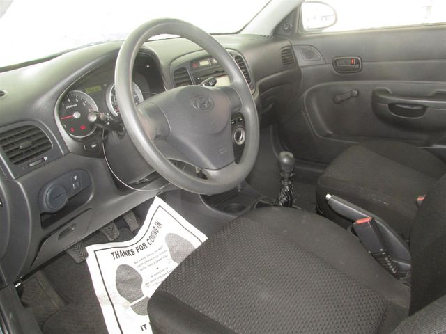 2009 Hyundai Accent Man GS Gardena, California 4