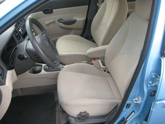 2009 Hyundai Accent Auto GLS Richmond, Virginia 11
