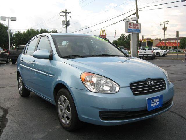 2009 Hyundai Accent Auto GLS Richmond, Virginia 3