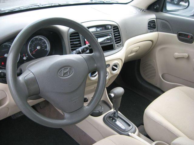 2009 Hyundai Accent Auto GLS Richmond, Virginia 8