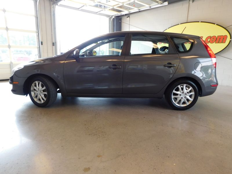 2009 Hyundai Elantra Touring  city TN  Doug Justus Auto Center Inc  in Airport Motor Mile ( Metro Knoxville ), TN