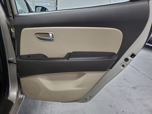 2009 Hyundai Elantra GLS PZEV Kensington, Maryland 28