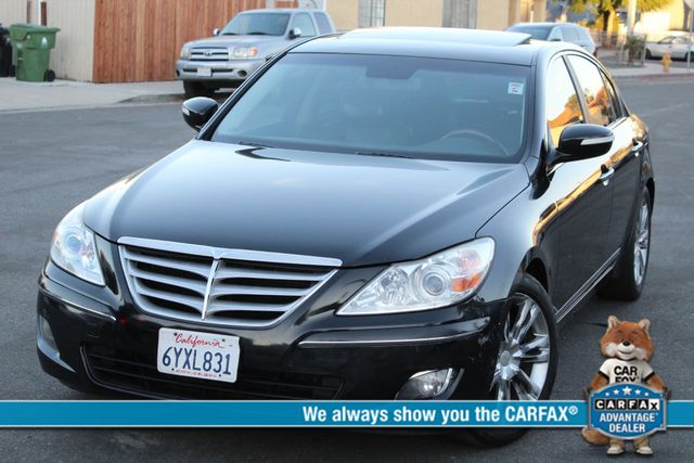 2009 Hyundai GENESIS SEDAN LIMITED NAVIGATION LEATHER SERVICE RECORDS in Woodland Hills, CA 91367