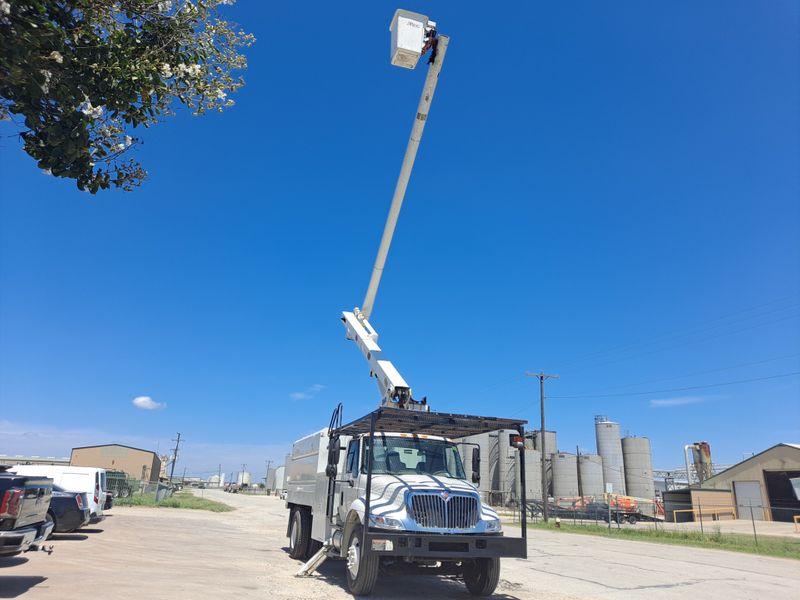2009 International 4300 60 ALTEC FORESTRY BUCKET TRUCK  city TX  North Texas Equipment  in Fort Worth, TX