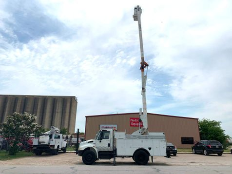 2009 International 4300 BUCKET TRUCK  in Fort Worth, TX
