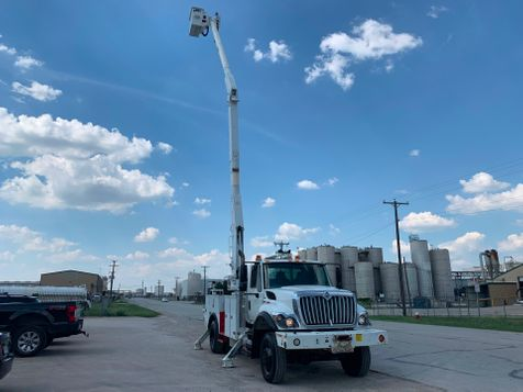 2009 International 7300 BUCKET TRUCK  in Fort Worth, TX