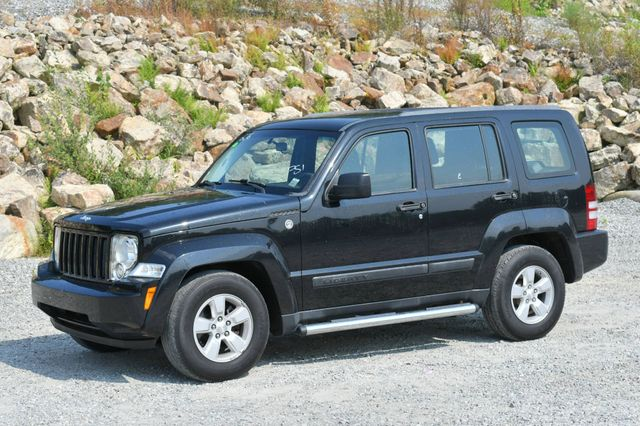 2009 Jeep Liberty Sport 4WD Naugatuck, Connecticut 2