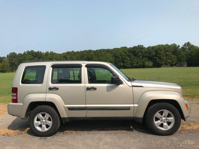 2009 Jeep Liberty Sport Ravenna, Ohio 4