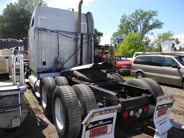 2009 Kenworth T2000 in Ravenna, MI 49451