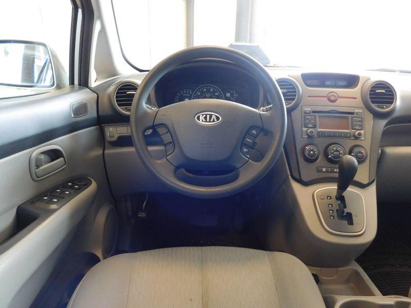 2009 Kia Rondo LX  city TN  Doug Justus Auto Center Inc  in Airport Motor Mile ( Metro Knoxville ), TN