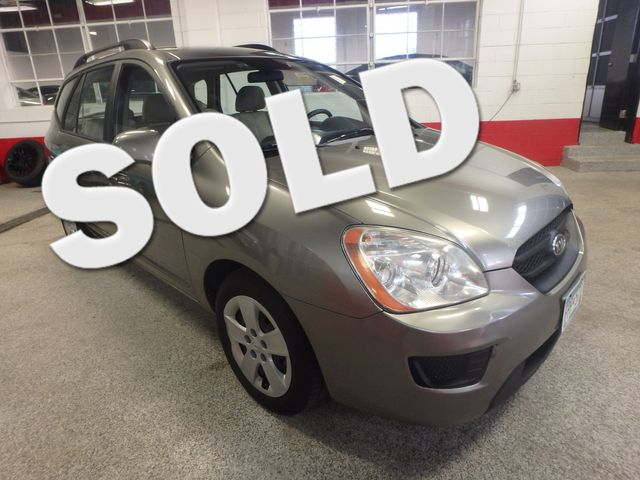 2009 Kia Rondo, Clean, Great Runner EXCELLENT, ECONOMICAL,  INEXPENSIVE TO OWN!~ Saint Louis Park, MN