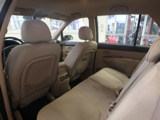 2009 Kia Rondo, Clean, Great Runner EXCELLENT, ECONOMICAL,  INEXPENSIVE TO OWN!~ Saint Louis Park, MN 7