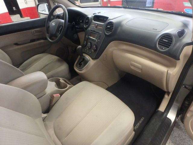 2009 Kia Rondo, Clean, Great Runner EXCELLENT, ECONOMICAL,  INEXPENSIVE TO OWN!~ Saint Louis Park, MN 6