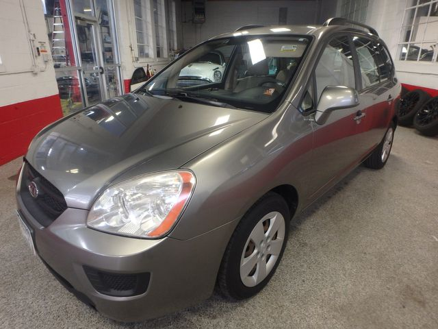 2009 Kia Rondo, Clean, Great Runner EXCELLENT, ECONOMICAL,  INEXPENSIVE TO OWN!~ Saint Louis Park, MN 9