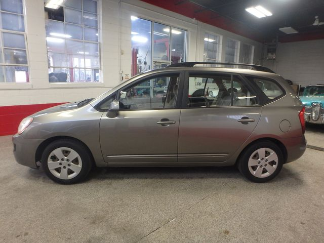 2009 Kia Rondo, Clean, Great Runner EXCELLENT, ECONOMICAL,  INEXPENSIVE TO OWN!~ Saint Louis Park, MN 10