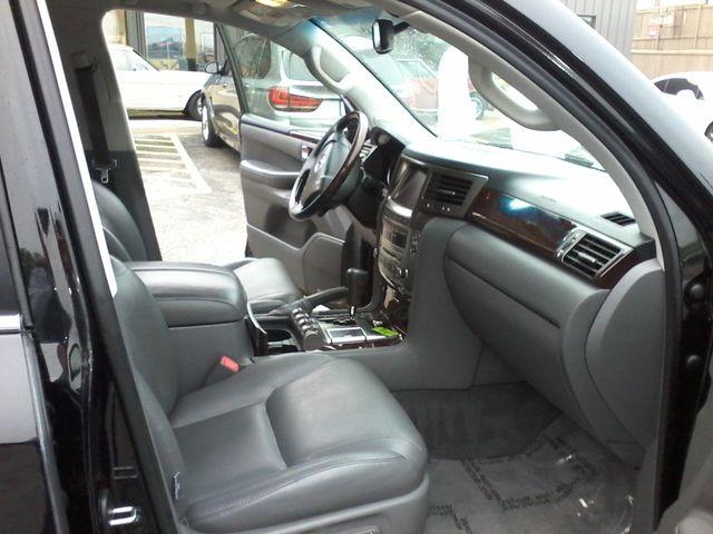 2009 Lexus LX 570 Boerne, Texas 17