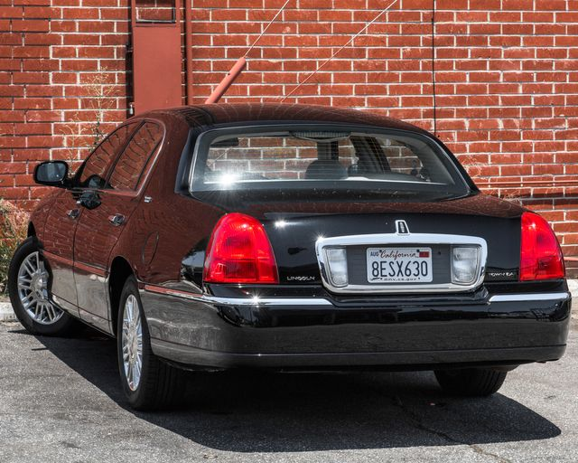 2009 Lincoln Town Car Signature Limited Burbank, CA 5