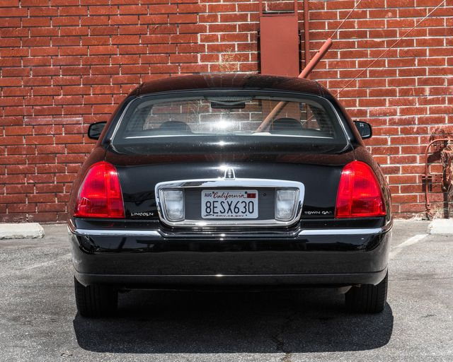 2009 Lincoln Town Car Signature Limited Burbank, CA 6