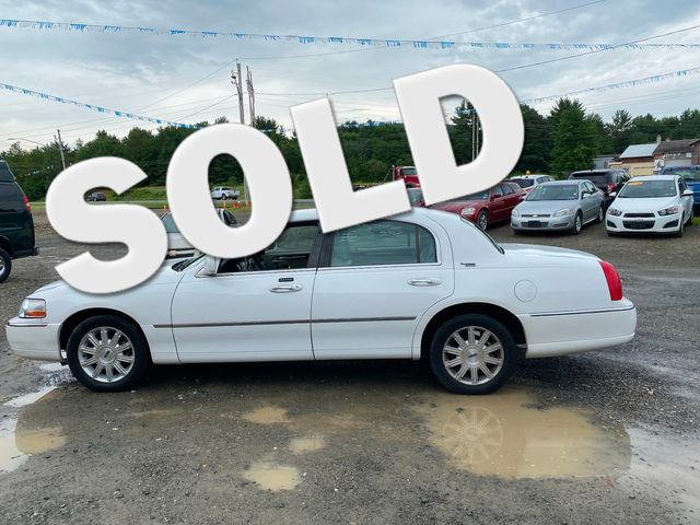 2009 Lincoln Town Car Signature Limited Hoosick Falls, New York
