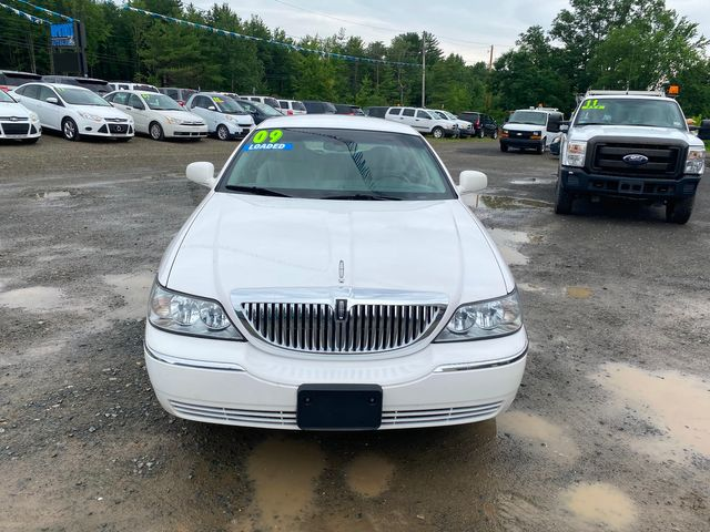 2009 Lincoln Town Car Signature Limited Hoosick Falls, New York 1