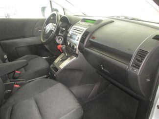 2009 Mazda Mazda5 Sport Gardena, California 8