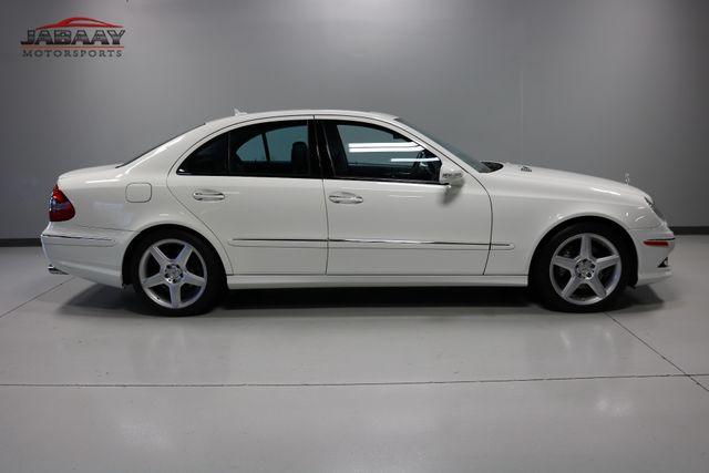 2009 Mercedes-Benz E550 Sport 5.5L Merrillville, Indiana 5
