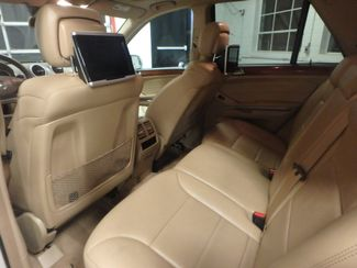 2009 Mercedes Ml320 Bluetec DIESEL. DVD, 4-MATIC. AWESOME SUV! Saint Louis Park, MN 6