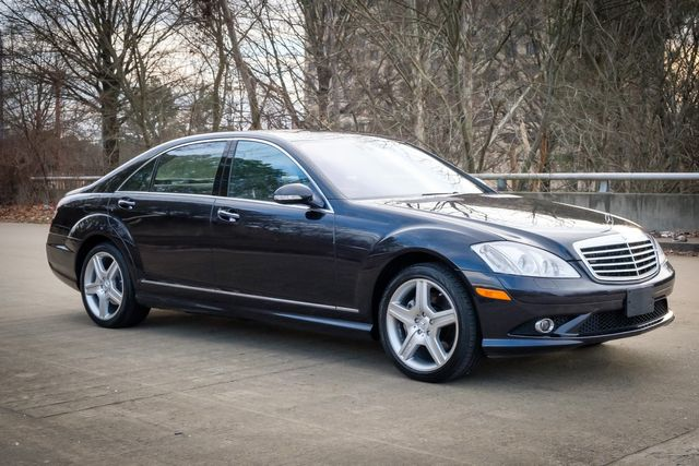 2009 Mercedes-Benz S550 5.5L V8 AMG SPORT PACKAGE in Memphis, Tennessee 38115