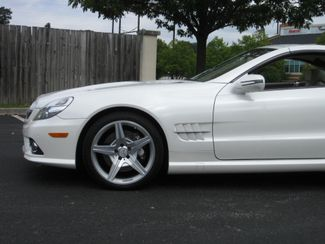 2009 Sold Mercedes-Benz SL550 V8 Conshohocken, Pennsylvania 13
