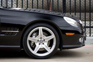 2009 Mercedes-Benz SL550 55k Miles * A/C SEATS * Keyless * SPORT * P1 * AMG Plano, Texas 27