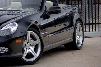 2009 Mercedes-Benz SL550 55k Miles * A/C SEATS * Keyless * SPORT * P1 * AMG Plano, Texas 19