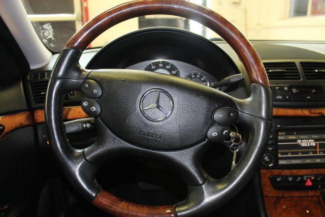 2009 Mercedes E350 4-Matic  Luxury 3.5L Saint Louis Park, MN 16