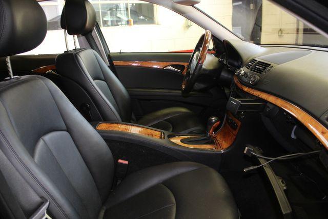 2009 Mercedes E350 4-Matic  Luxury 3.5L Saint Louis Park, MN 25