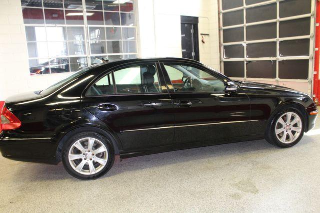 2009 Mercedes E350 4-Matic  Luxury 3.5L Saint Louis Park, MN 1