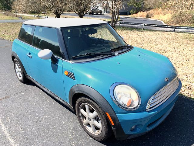 2009 Mini-2 Owner! Showroom Conditions! Cooper-34 MPG LOW MILES Base-CARMARTSOUTH,COM