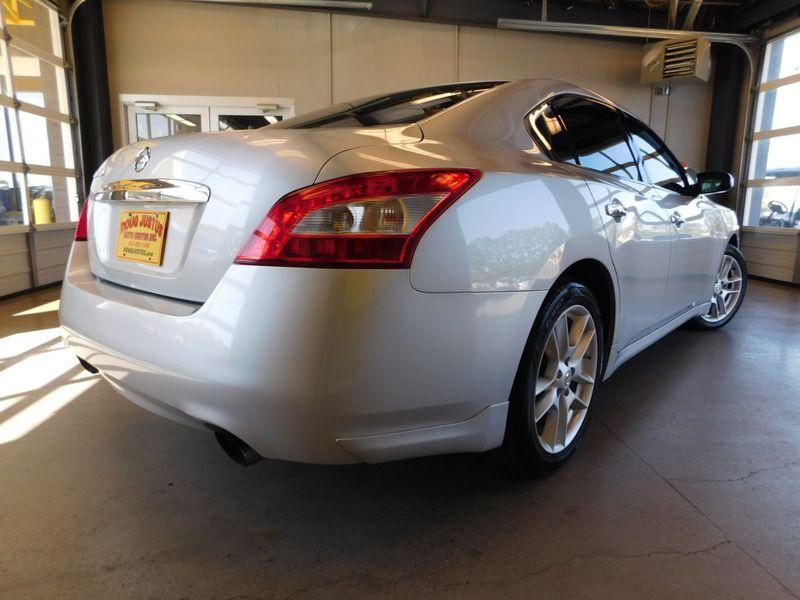 2009 Nissan Maxima 35 S  city TN  Doug Justus Auto Center Inc  in Airport Motor Mile ( Metro Knoxville ), TN