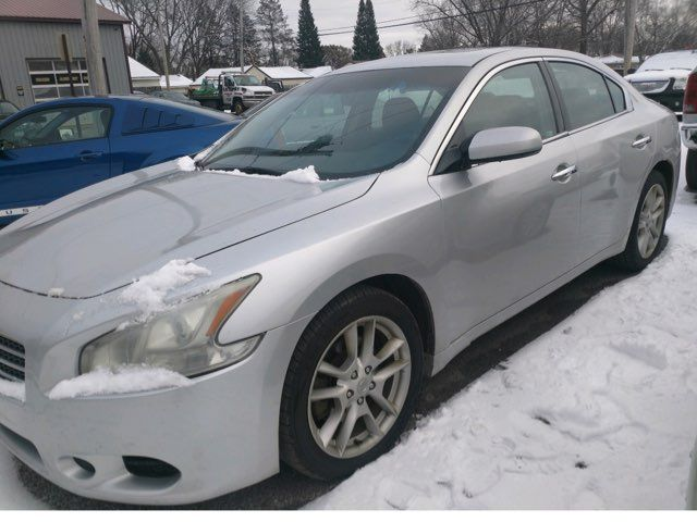 2009 Nissan Maxima 3.5 S in Coal Valley, IL 61240