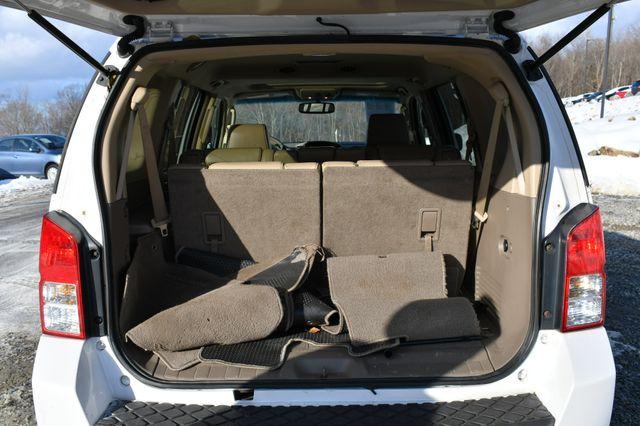 2009 Nissan Pathfinder LE Naugatuck, Connecticut 12