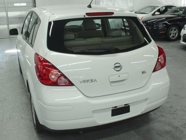 2009 Nissan Versa 1.8 SL Hatchback Kensington, Maryland 10