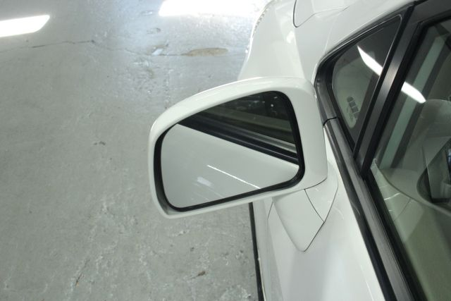2009 Nissan Versa 1.8 SL Hatchback Kensington, Maryland 12