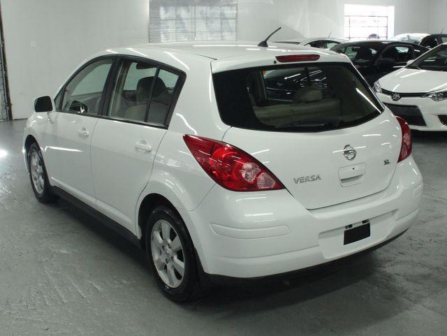2009 Nissan Versa 1.8 SL Hatchback Kensington, Maryland 2