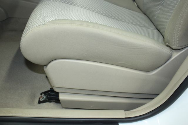 2009 Nissan Versa 1.8 SL Hatchback Kensington, Maryland 20