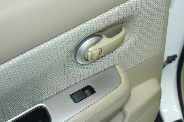 2009 Nissan Versa 1.8 SL Hatchback Kensington, Maryland 24