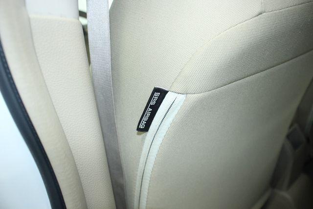 2009 Nissan Versa 1.8 SL Hatchback Kensington, Maryland 31